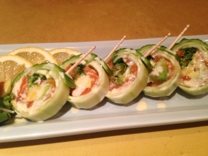 Cucumber w/salmon Roll