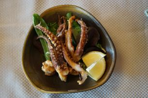 Ika Geso Age (deep fried squid leg)